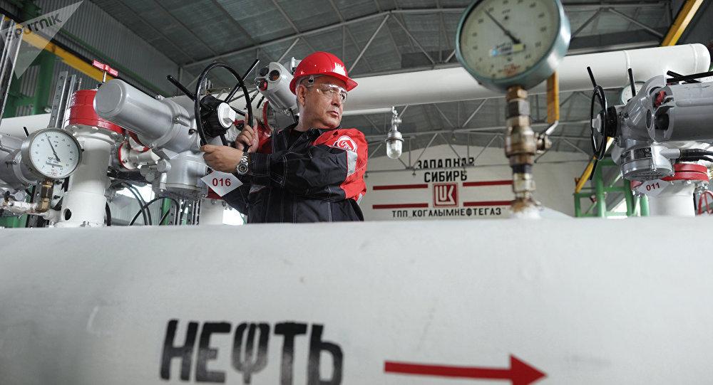 美國總統經濟顧問:特朗普認為俄羅斯和沙特已停止就石油問題「掐架」