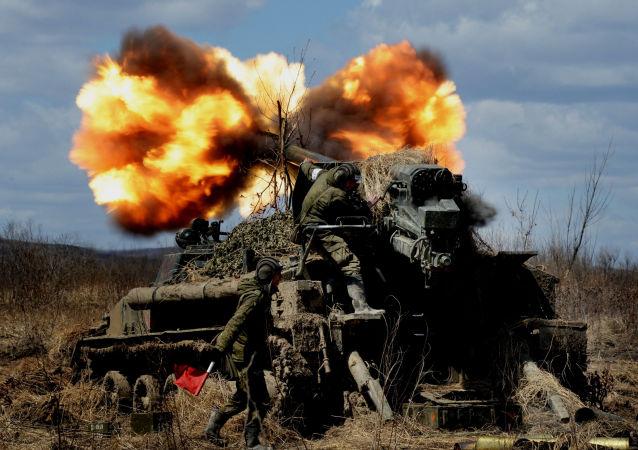 俄軍約4000名官兵參加在濱海邊疆區舉行的大規模實彈射擊演習