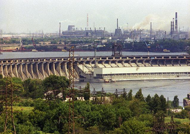 第聶伯河水電站和扎波羅日鋼鐵聯合企業