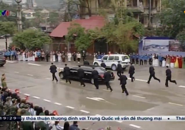 金正恩抵達越南