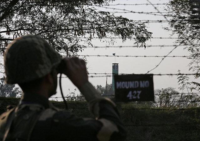 印巴在克什米爾彼此向對方陣地開火