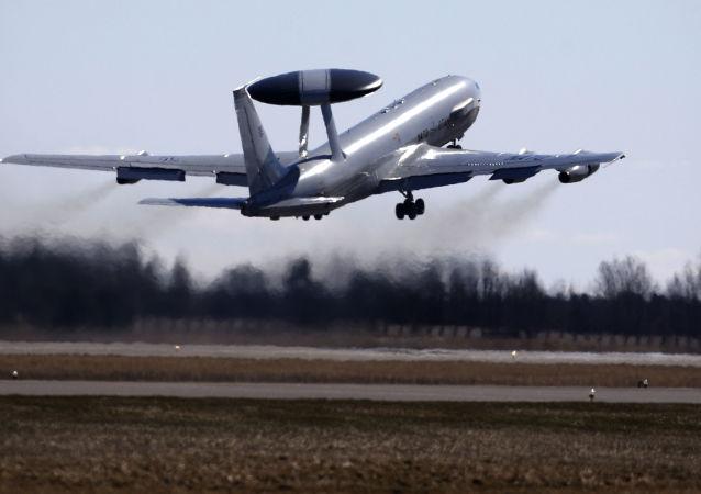 AWACS遠程雷達預警機