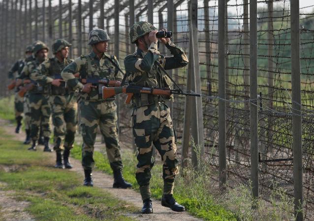 印巴在克什米爾地區交火造成3名軍人喪生