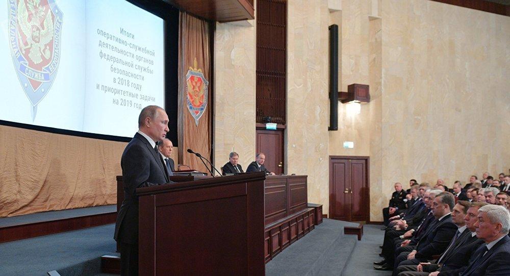 普京:俄反間機構去年挫敗數百外國情報部門工作人員及代理人的活動