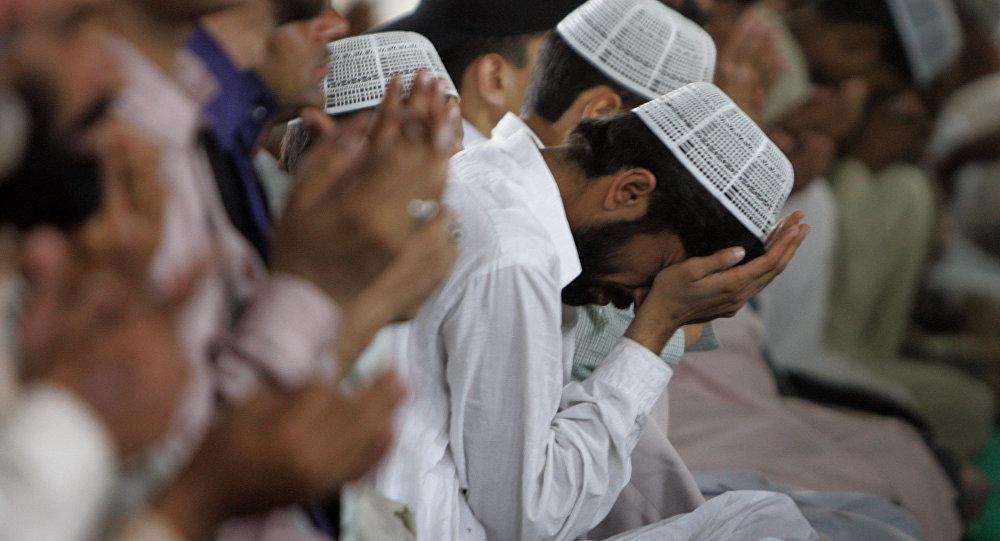 巴基斯坦人在禱告(資料圖片)
