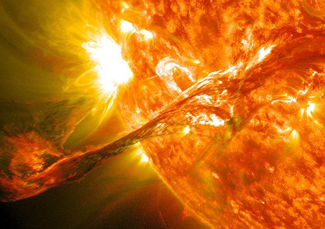 俄科學家:太陽不久前的噴發不會危及人類健康但對衛星很危險