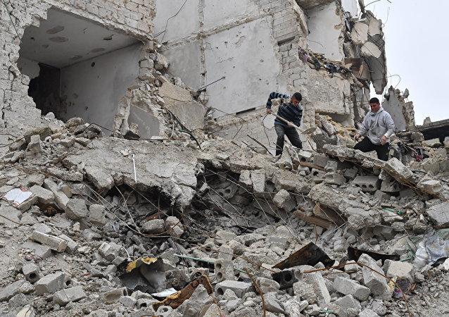 阿勒頗遭空襲後的視頻發佈在網絡上