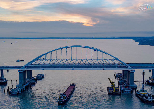 俄杜馬議員稱克里米亞大橋堅不可摧