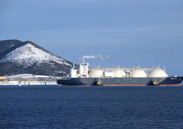 一些外國船舶被允許經北方海路運輸液化天然氣