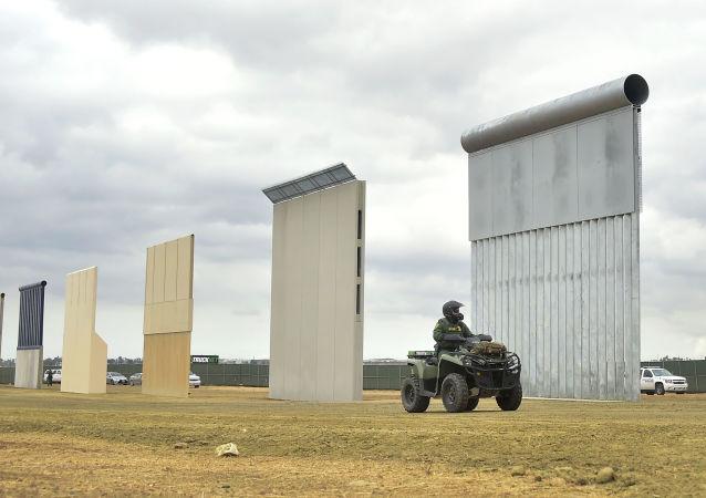 美最高法院允許特朗普從國防部撥款25億美元用於修建邊境牆