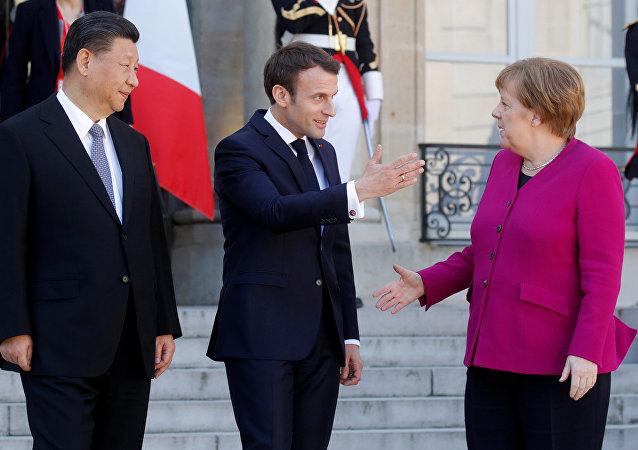 默克爾稱歐盟希望在絲綢之路項目中發揮積極作用