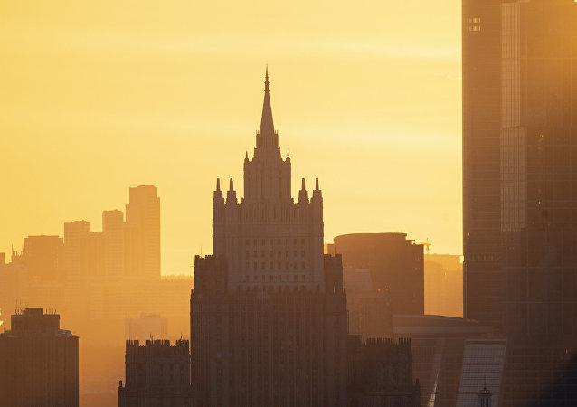 莫斯科將關注美國研制與部署中程和中短程導彈的行為