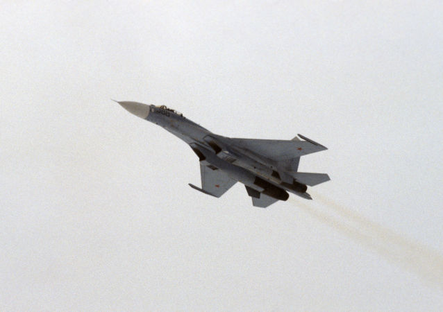 俄軍事運輸航空兵在克里米亞演練空降新戰術