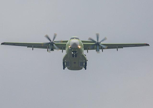 伊爾-112V首飛