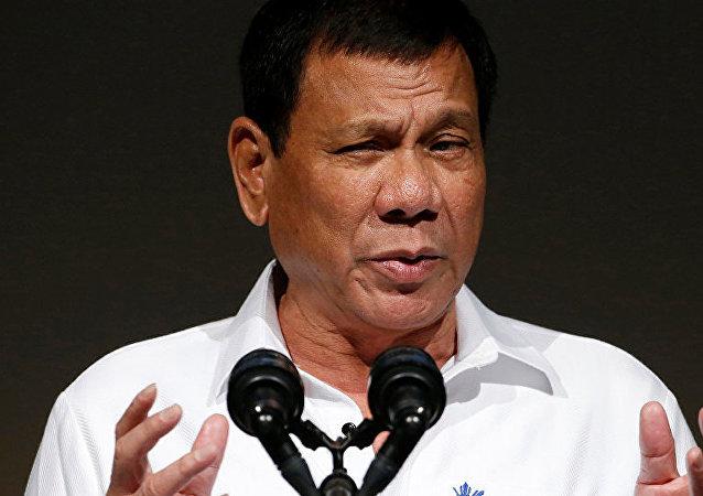 菲律賓總統許諾向發明新冠病毒疫苗者獎勵20萬美元