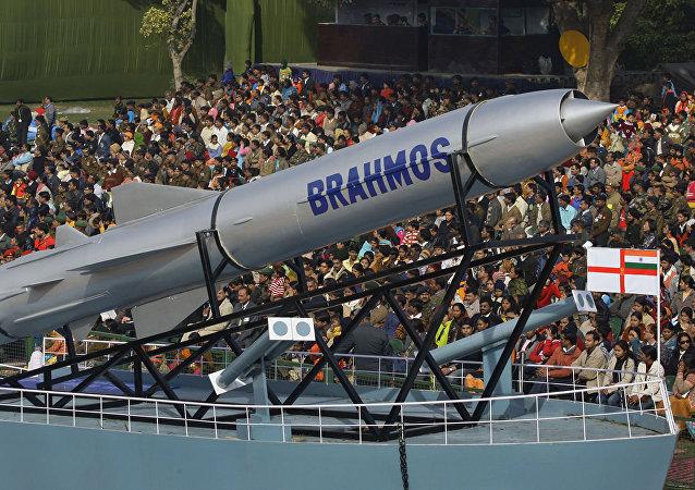 布拉莫斯巡航導彈