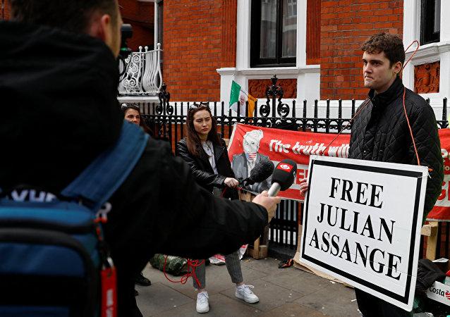 克宮:希望阿桑奇的權利得到保障