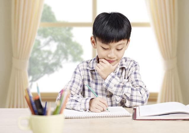 補習班盛行:中國父母的教育焦慮該靠甚麼「藥」來醫?