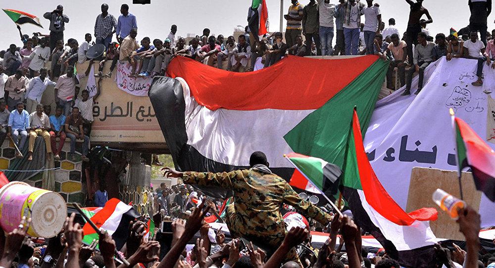 Турция надеется, что новые власти Судана будут учитывать требования народа
