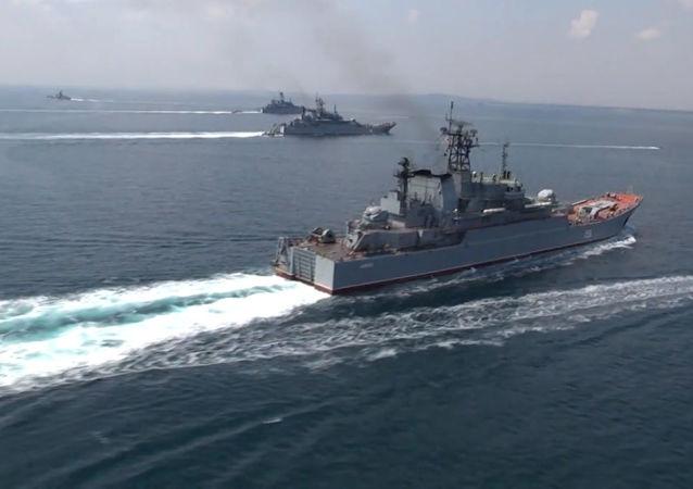 俄海軍編隊完成在阿拉伯海舉行的「和平-2021」演習