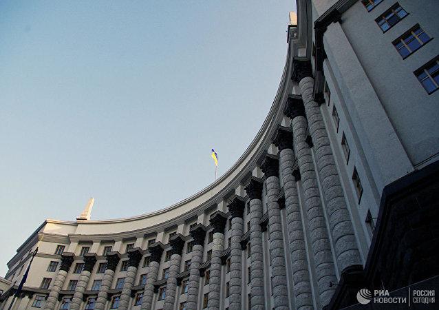 烏克蘭政客抱怨馬克龍用俄語發帖