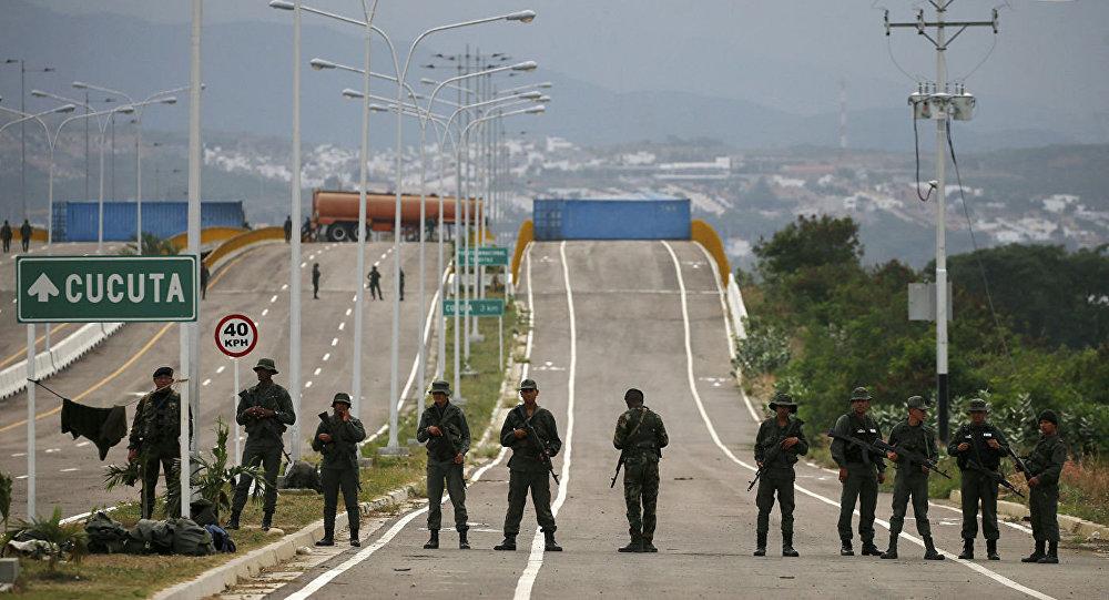 委內瑞拉軍人在委內瑞拉-哥倫比亞邊境