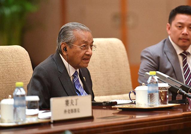 外媒稱,馬來西亞總理馬哈蒂爾辭職