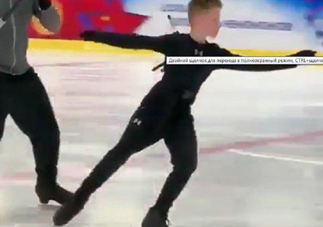 歷史紀錄:12歲俄花滑小將完成5周跳