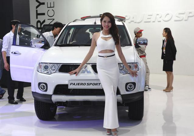 三菱帕傑羅∙勁暢(Mitsubishi Pajero Sport)