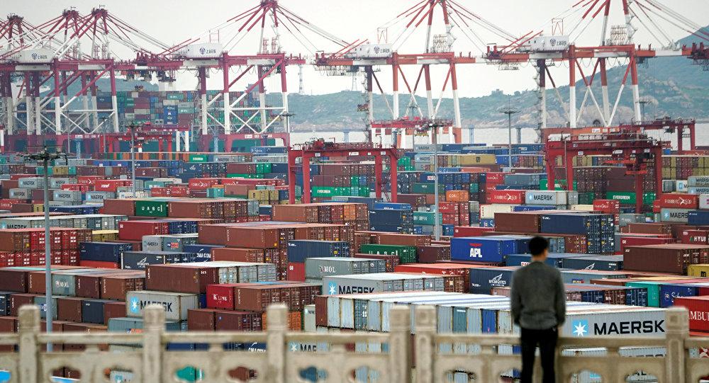 中國今年前5個月的出口下降7.7%,進口下降8.2%