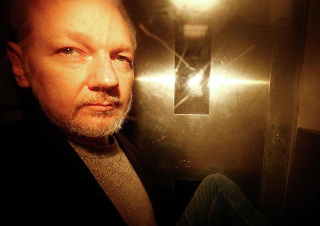 維基解密網站創始人阿桑奇