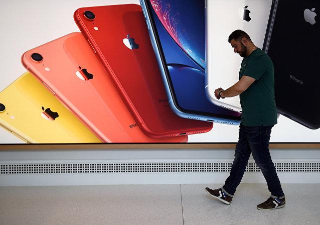 一名中國公民在美對走私假冒蘋果手機供認不諱