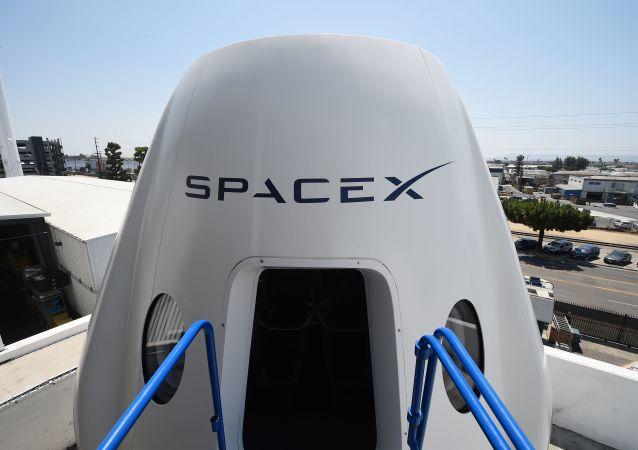 SpaceX公司的龍飛船(Crew Dragon)