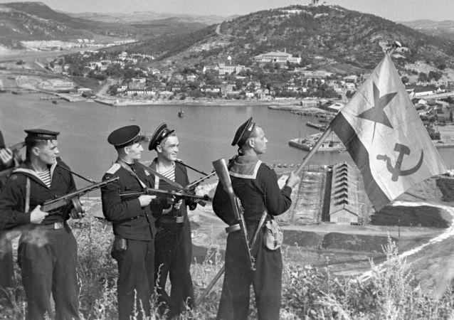 蘇聯空降兵進攻旅順港