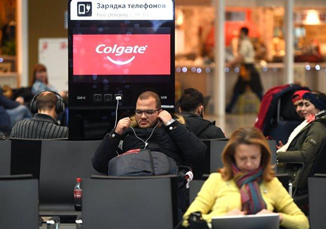 在機場為手機充電有危險