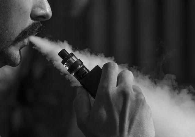 俄腫瘤學家介紹吸電子煙和水煙的後果