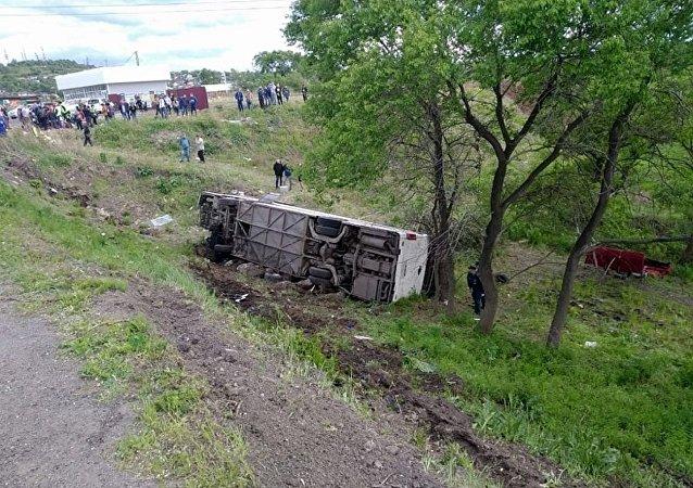 俄濱海邊疆區逮捕大巴翻車事故涉事司機