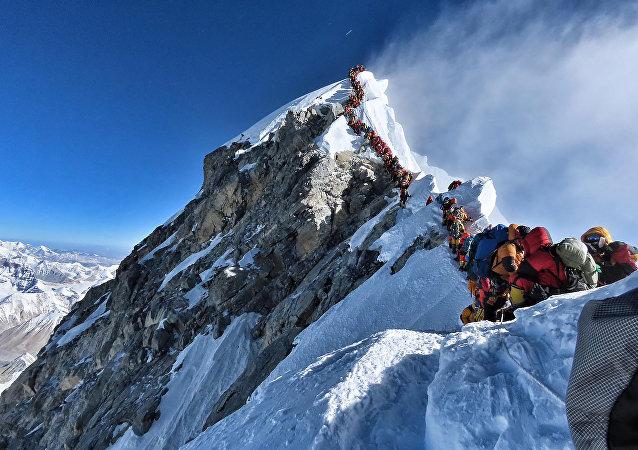 死亡季:為甚麼這麼多登山者在珠峰死亡?