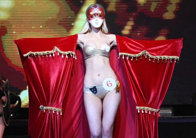 「2019赤塔小姐」選美大賽的參賽者娜塔莉婭∙瓦西里耶夫娜在赤塔。
