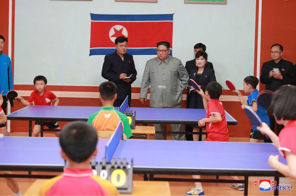 朝鮮領導人金正恩在慈江道視察學生少年宮