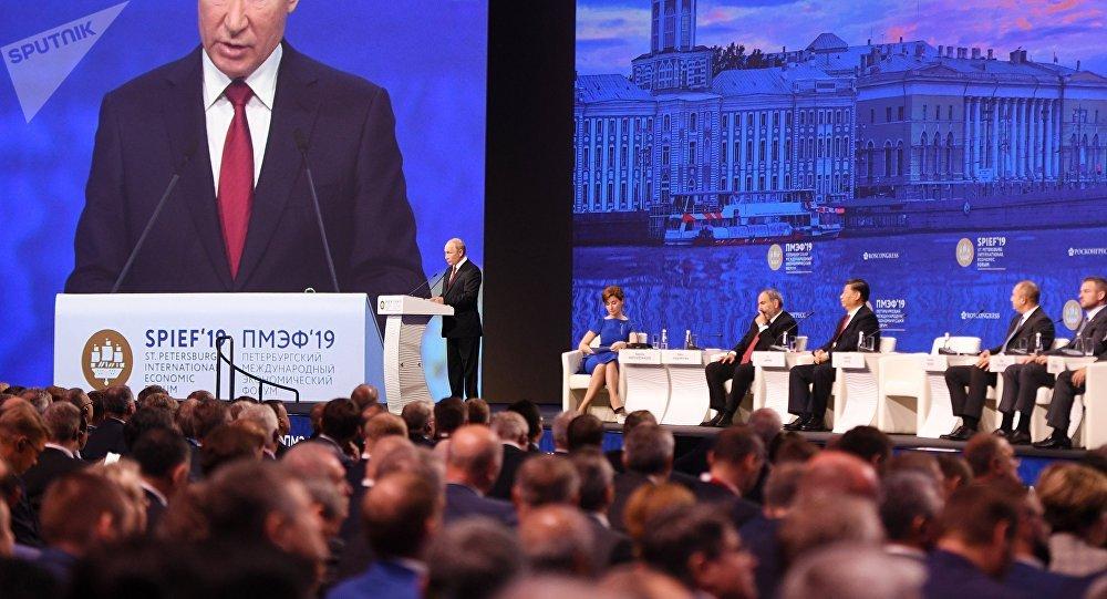 普京:全球貿易已不再是世界經濟的驅動力