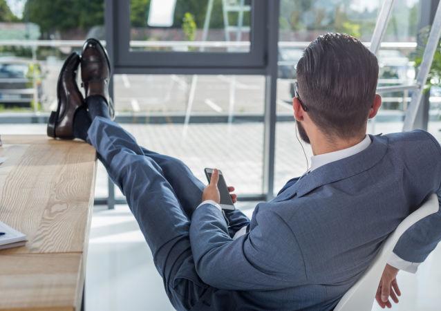 專家指出工作時間過長的一大危害