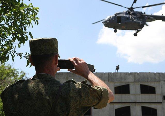 普京下令禁止軍人執行公務時使用手機等移動設備