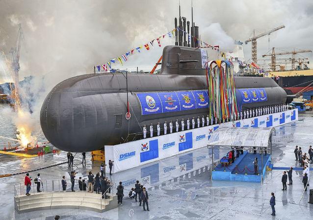 韓國可攜帶6枚彈道導彈的新潛艇下水