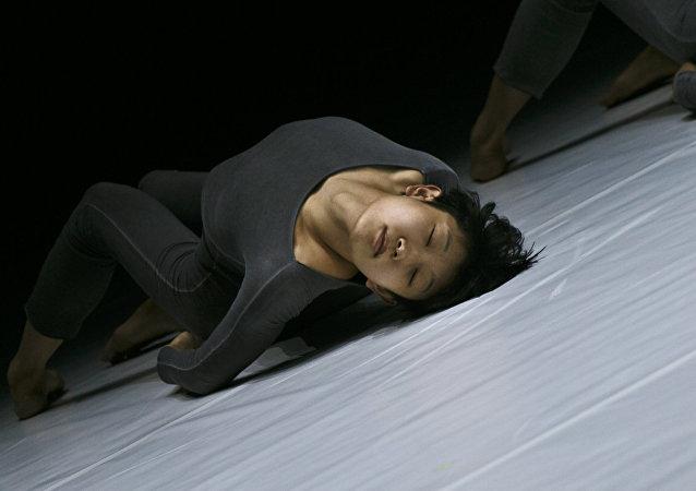 現代陶舞在莫斯科演出