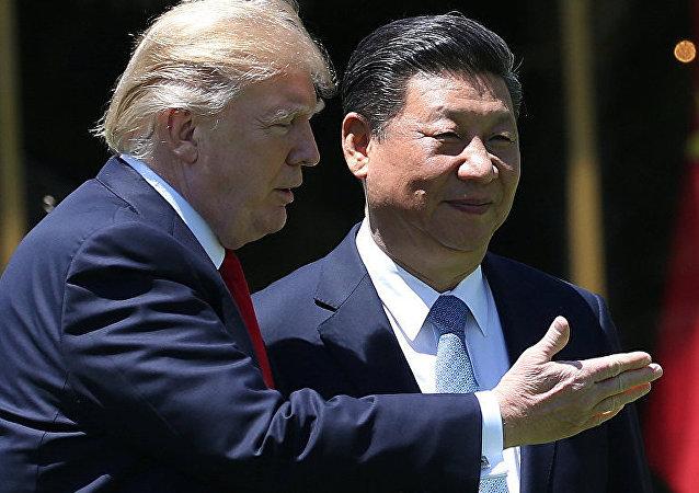 中國國家主席習近平(右)和美國總統特朗普