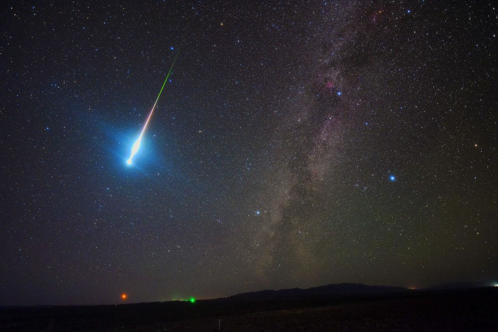 中國攝影師Tang Zhengye 的作品The Perseid Fireball