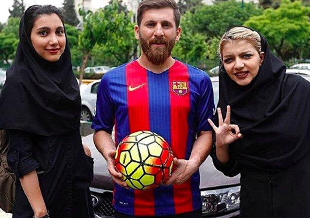 長相酷似梅西的伊朗足球運動員被指控猥褻23名女子