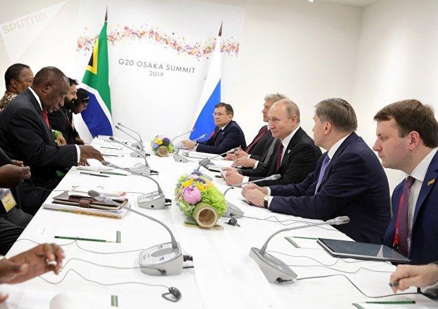 俄羅斯經濟發展部部長馬克西姆•奧列什