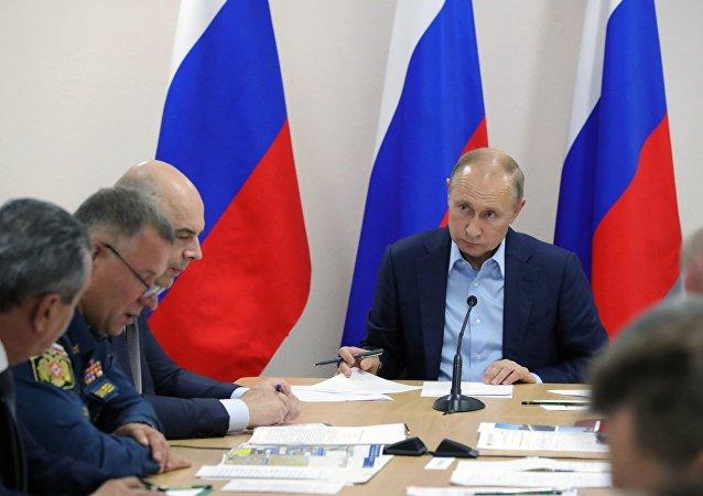 普京責成伊爾庫茨克政府和緊急情況部巡察每一處災民安置點